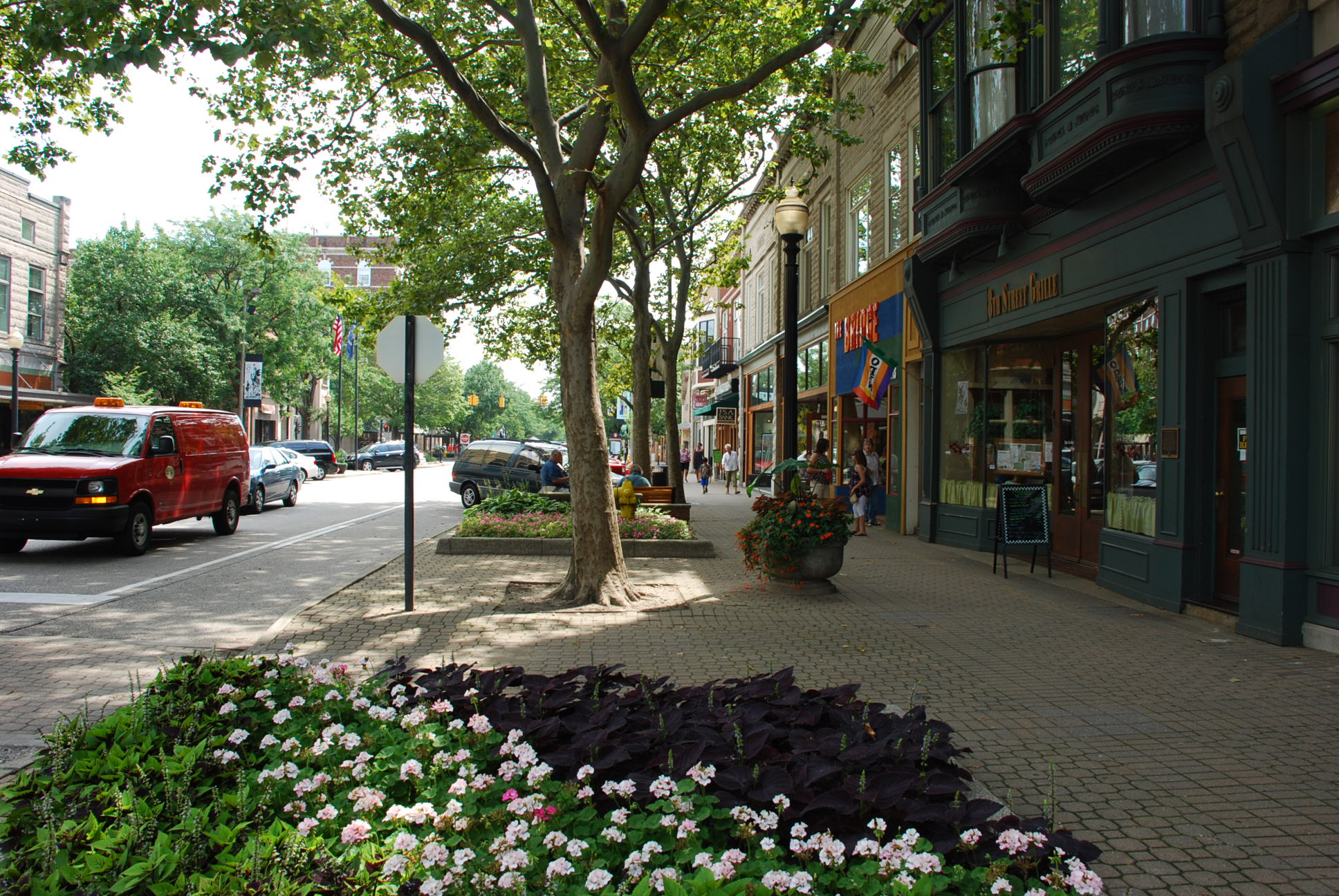 Downtown holland a traveler 39 s photo journal for Tiny house holland michigan