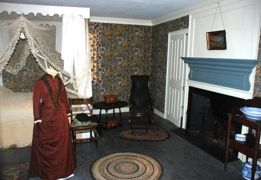 Aldrich house room with period costume.