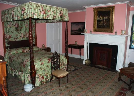 Goodwin Mansion bedroom.