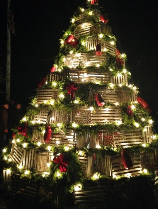 Cape Porpoise lobster trap Christmas tree