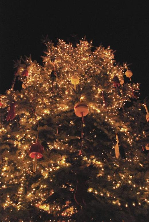 A closeup of the ornaments