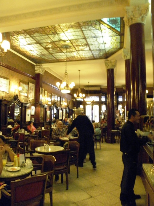 The interior of Café Tortoni
