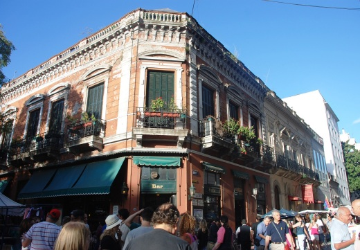 Bar Plaza Dorrego exterior