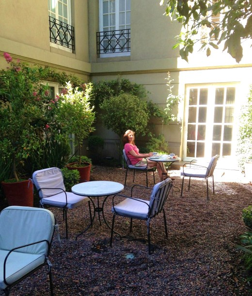 Breakfast in the courtyard at Le Reve, Santiago Chile