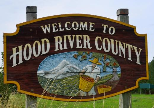 Entering Hood River County