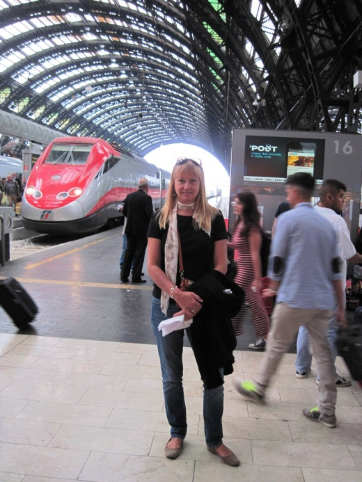 Me at the train station ready to board the train to Camogli