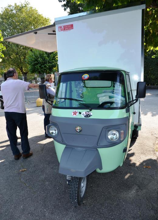 Alfa Romeo food truck in Bellagio