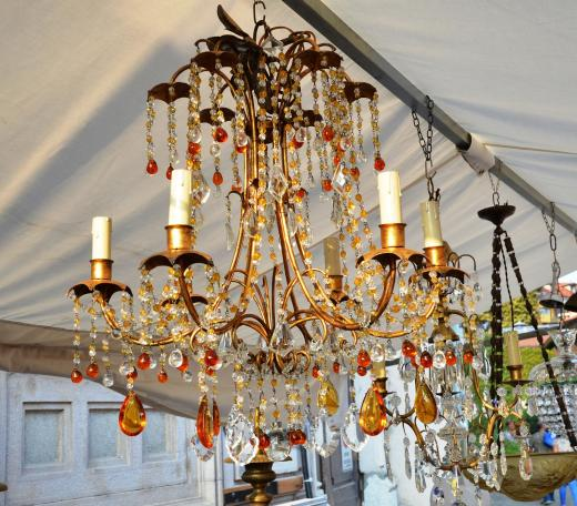The chandelier I wish I could have brought back