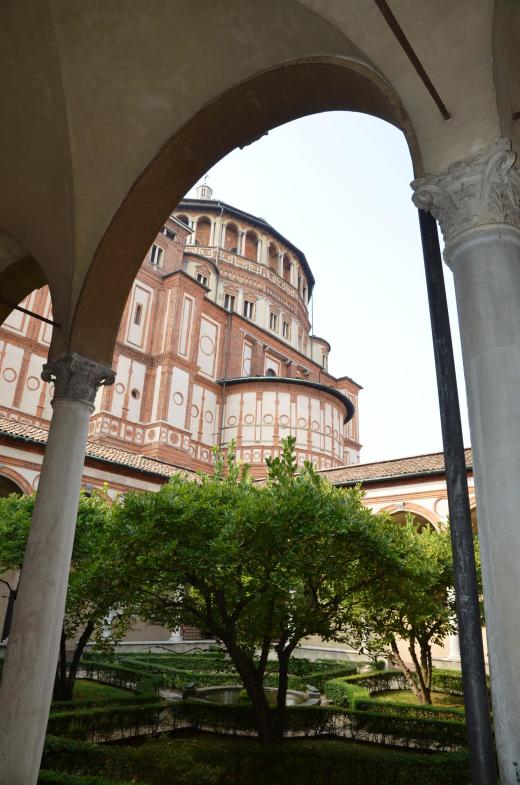 Exterior and courtyard of the Santa Maria dell Grazie