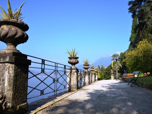 Lakeside garden at Villa Monastero