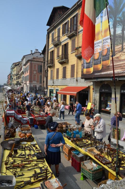Last Sunday of the month in Milan antiques market