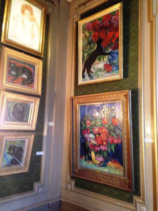 A corner in the cat art museum