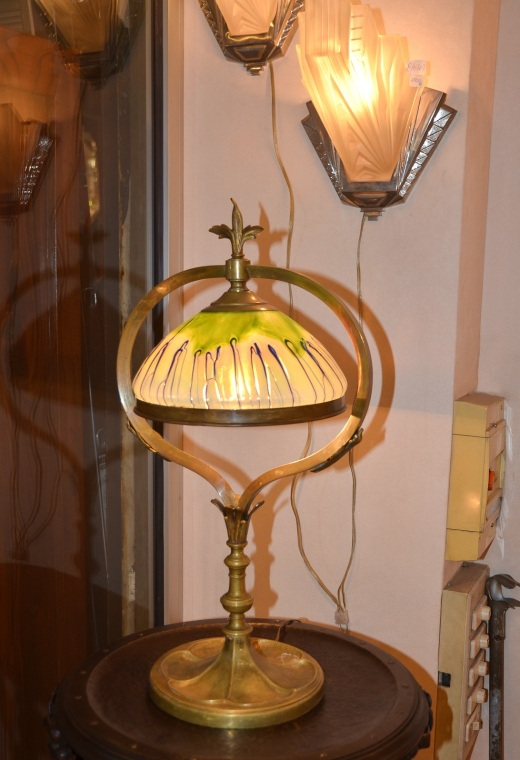 The art nouveau lamp that first caught my eye, unfortunately it was 2,000 euros