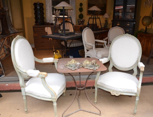 More beautiful chairs, these were 1800 euros for two