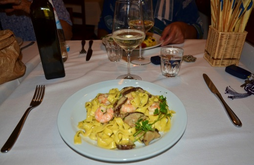 More pasta and the local specialty, Prosecco