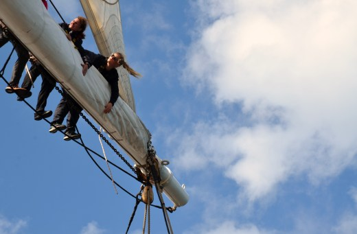 Vanessa instructing trainees in the rigging