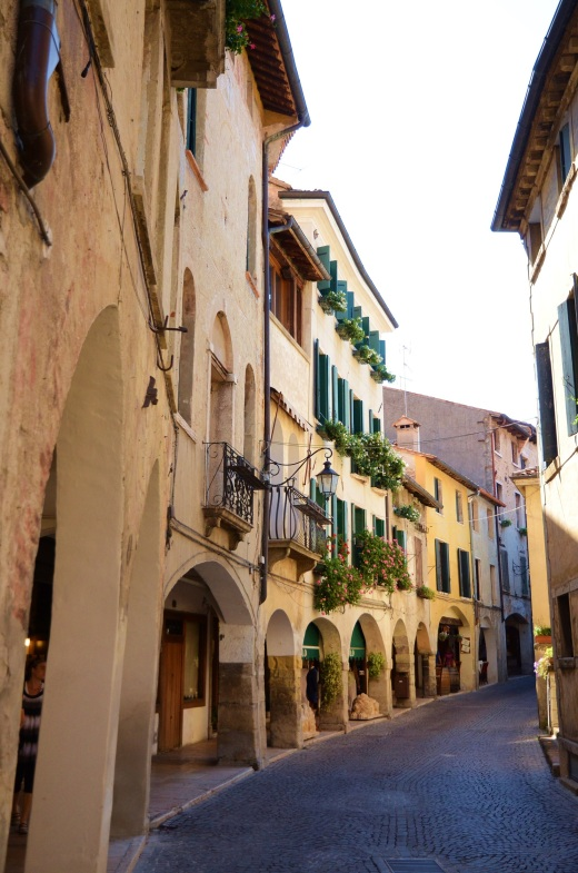 The very narrow streets of Asolo