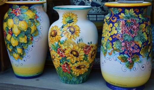 Beautiful pots for sale in the Piazza del Campo