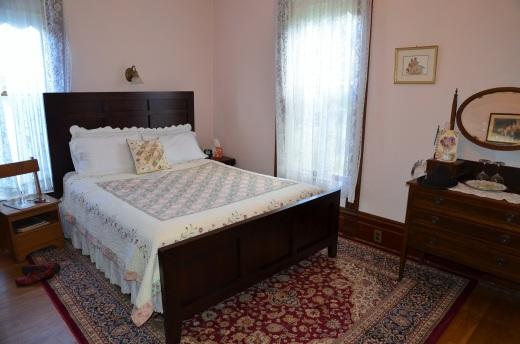Mattey house Pinot Noir room