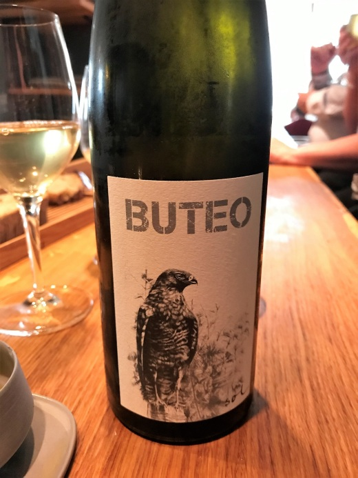 Buteo label