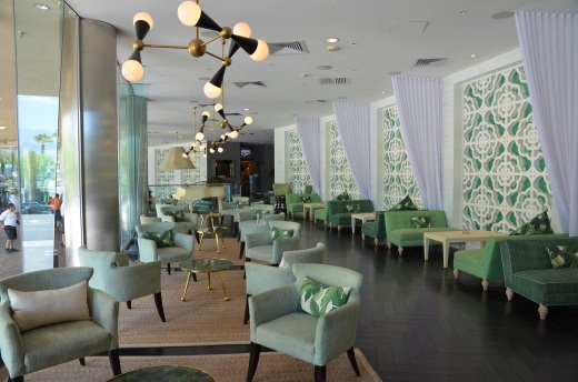 Riviera green lounge